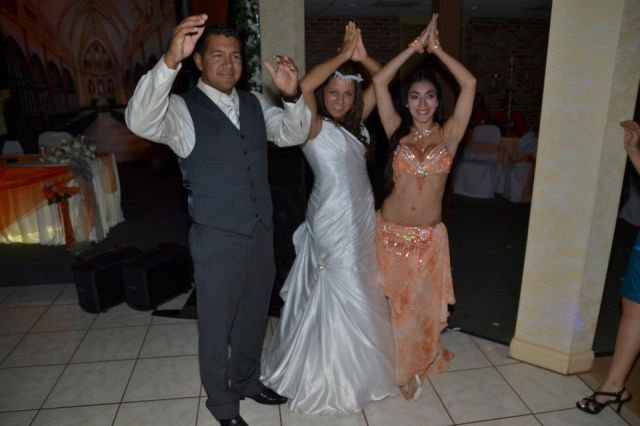 belly dancer for Colombian wedding kissimmee