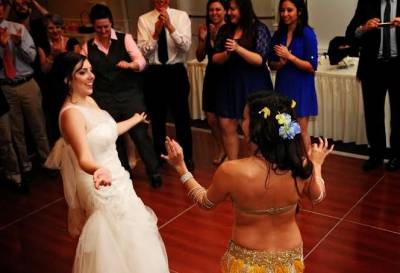 belly-dance-entertainment-ideas-for-weddings-in-orlando-florida_20140326-130519_1.jpg